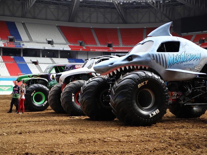 "Le ""Monster Jam"" débarque ce samedi au Groupama Stadium - [VIDEO]"