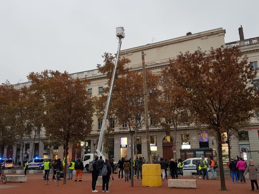Elle avait loué une nacelle pour filmer la mobilisation des gilets jaunes : une femme jugée ce lundi à Lyon