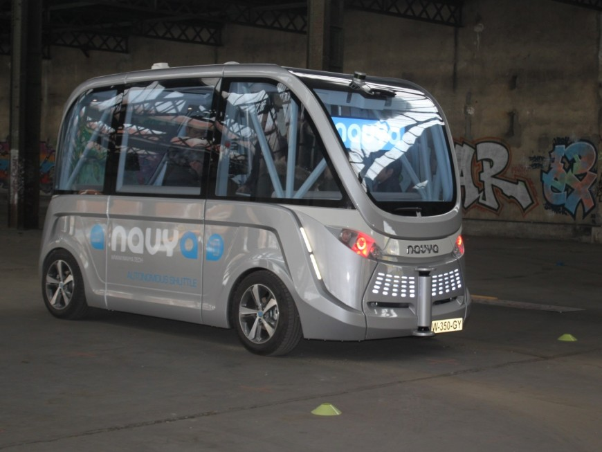 La nouvelle version de Navya, la navette-robot, présentée à Lyon