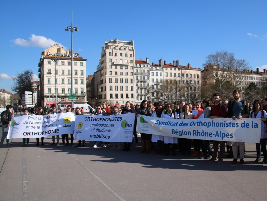 Manifestation des orthophonistes à Lyon