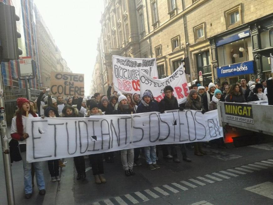 Manifestation des étudiants-ostéos jeudi matin à Lyon