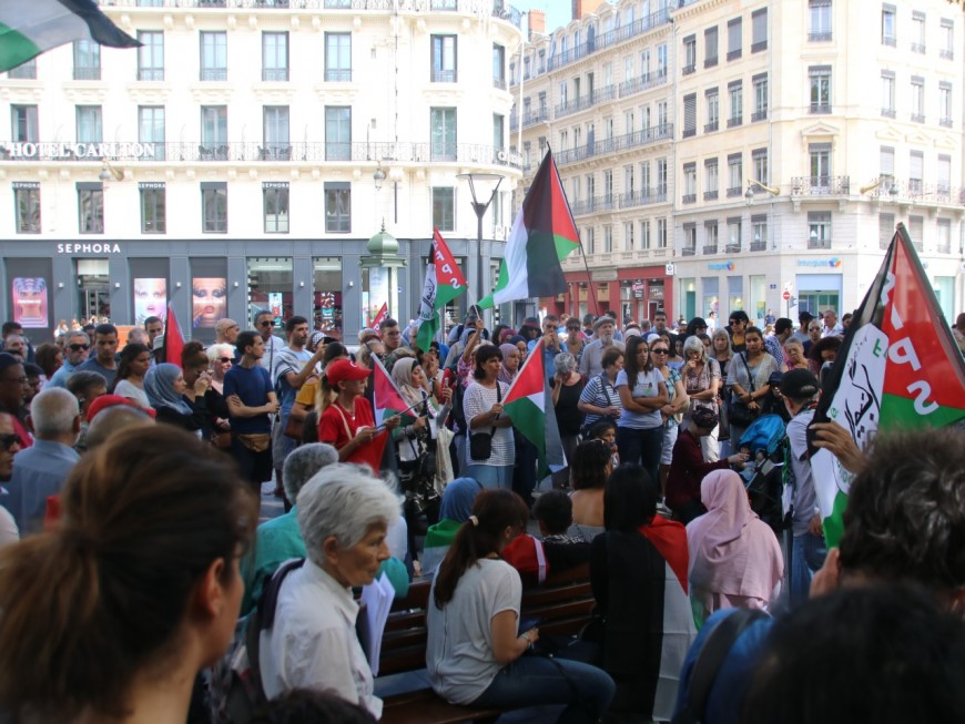 Lyon : rassemblement en soutien des Palestiniens place de la République