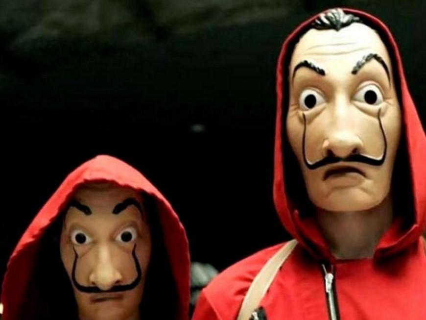 Lyon : avec des masques Casa de Papel, ils lancent des pétards devant un lycée