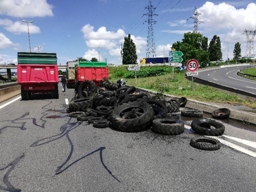 Blocage des raffineries : opération escargot des agriculteurs à Lyon