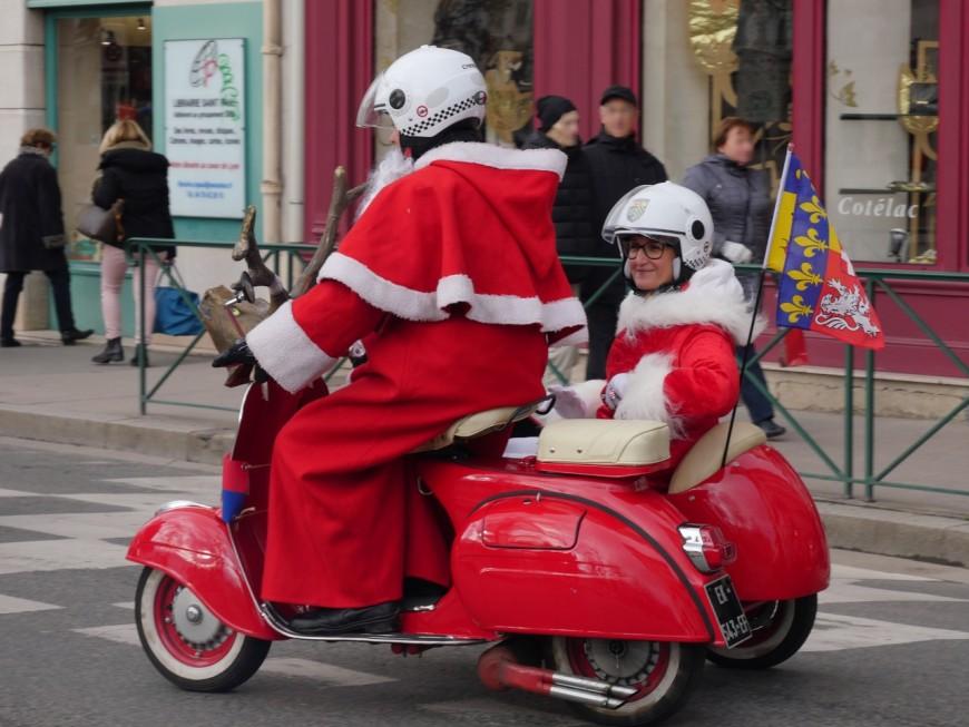 Lyon : les Père Noël ont défilé à moto