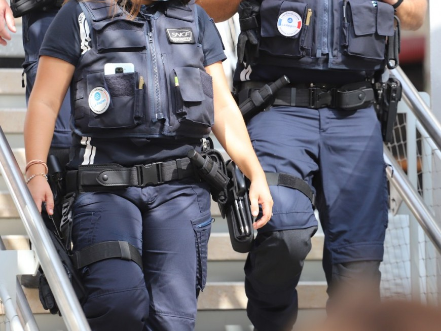 Attaque de distributeurs de billets : cinq personnes interpellées dans la région