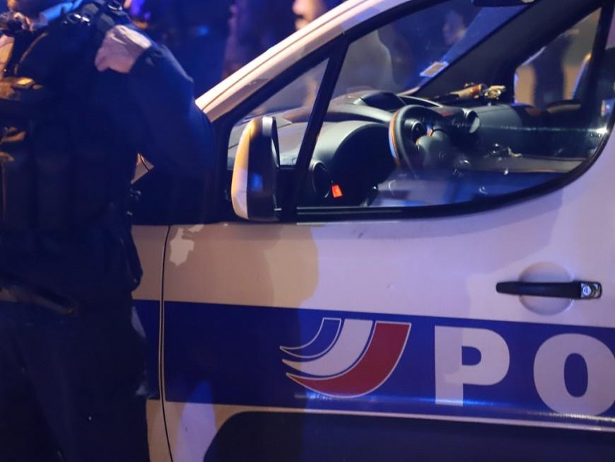 Quatre interpellations après l'agression d'un policier en bas de chez lui à Lyon