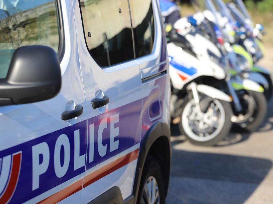 Un fourgon transportant des métaux précieux braqué près de Lyon, le chauffeur brièvement séquestré