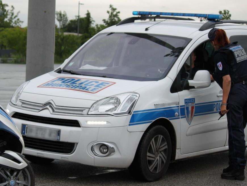Près de Lyon : il commet un refus d'obtempérer avec ses 2 enfants dans la voiture