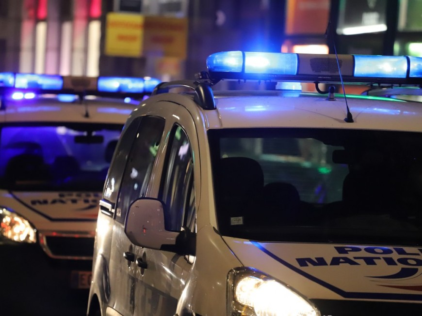 Rodéo urbain: deux Vénissians interpellés après une course-poursuite, l'un d'eux repêché dans le Rhône