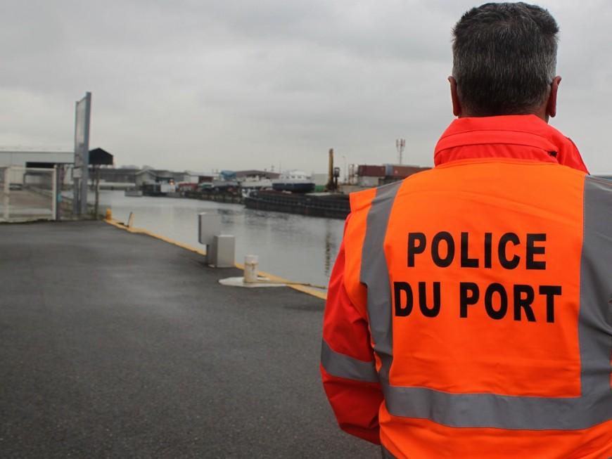 Les douanes de Lyon interceptent 15 tonnes de déchets automobiles dangereux