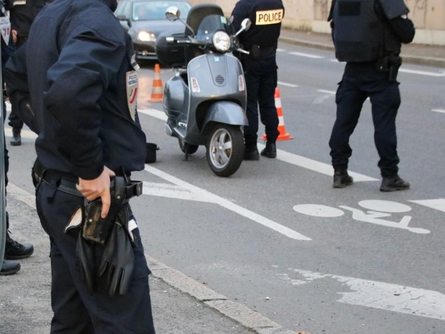 Vénissieux : il fonce sur les policiers avec un scooter qu'on lui a prêté