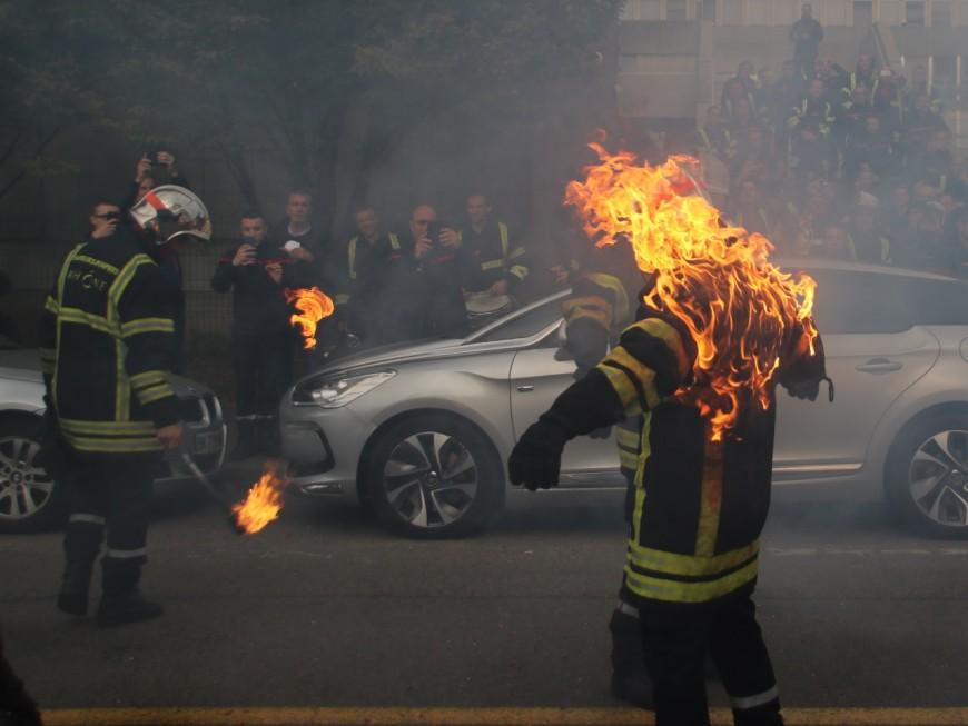35 minutes de délai pour une intervention à Lyon : les pompiers manifestent pour plus de moyens