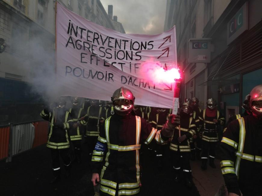 Personnel soignant et pompiers appellent à la manifestation le 14 novembre