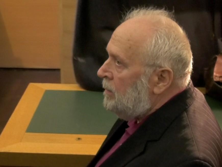 """Procès Preynat : 8 ans de prison ferme """"au minimum"""" requis à l'encontre de l'ancien prêtre"""