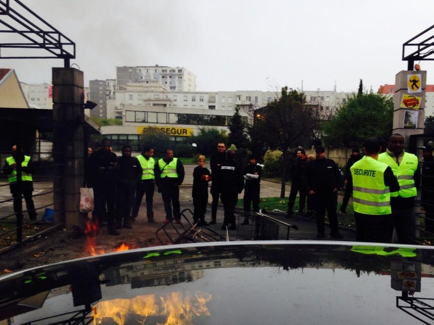 Des agents de sécurité dépêchés sur le site de Prosegur Lyon