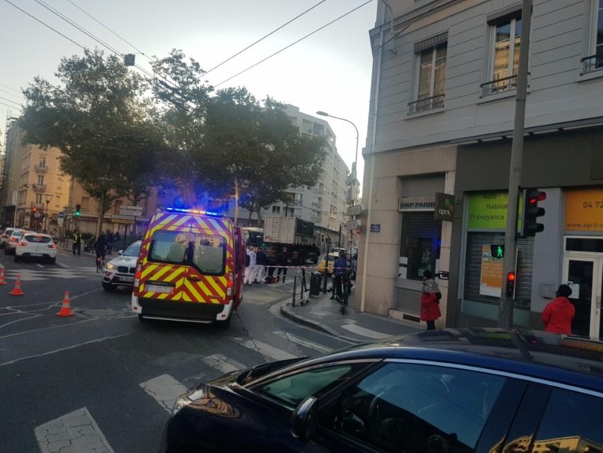 Lyon : elle décède après avoir été percutée par un camion