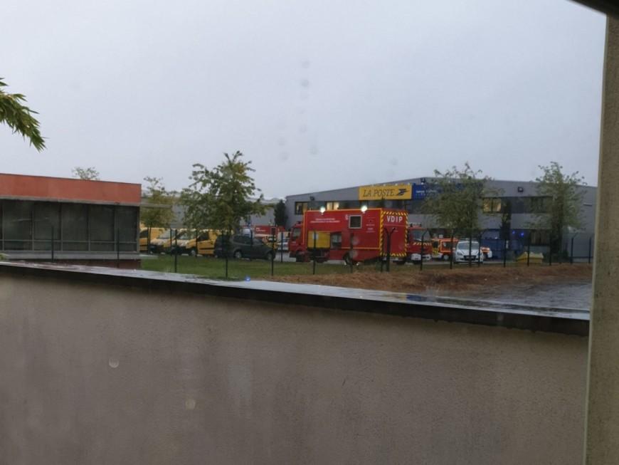 Colis suspect au centre de tri de la Poste à Vaulx-en-Velin