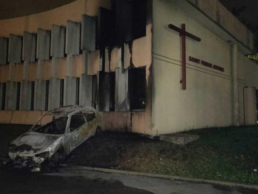 """Tentative d'incendie contre une église près de Lyon : Kamel Kabtane dénonce """"un acte odieux"""""""