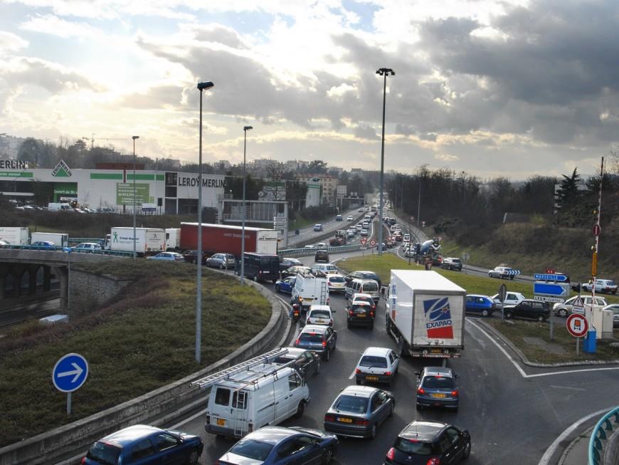 Coup d'envoi des vacances de février : un samedi rouge sur les routes de Rhône-Alpes