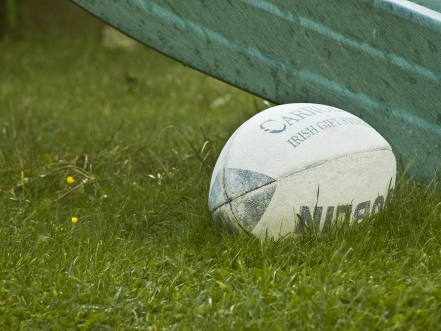 Rhône : les poteaux de rugby cèdent en plein match à cause du vent