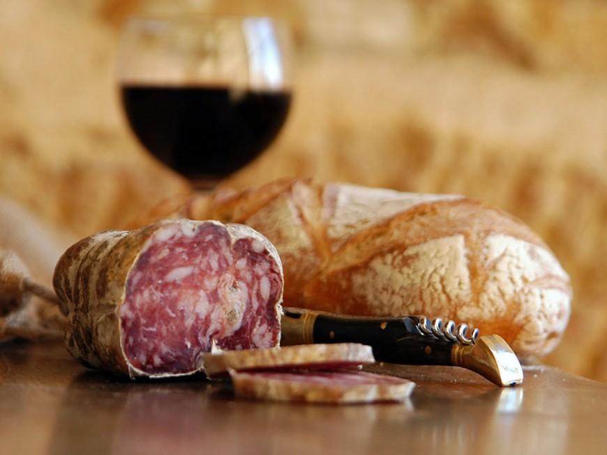 Salmonelles : produites près de Lyon, des saucisses sèches retirées de la vente
