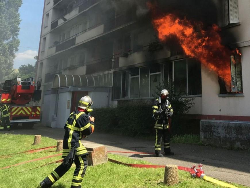 Incendie dans un immeuble à Villeurbanne :  deux explosions mais pas de blessés