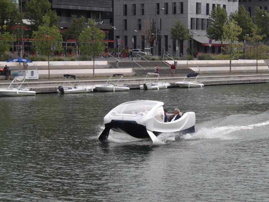Lyon : après la navette sans chauffeur, place au taxi fluvial volant ?