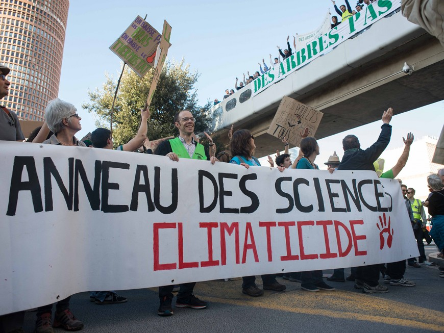 Marche pour le climat : l'Anneau des Sciences n'a jamais été aussi contesté à Lyon
