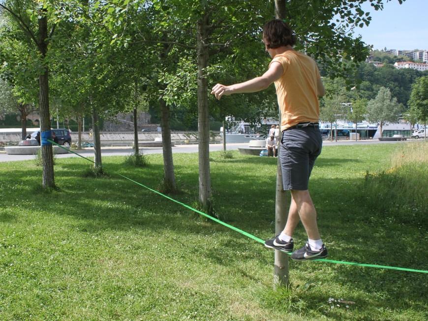 Une charte de bonnes pratiques entre la Ville de Lyon et les amateurs de slackline