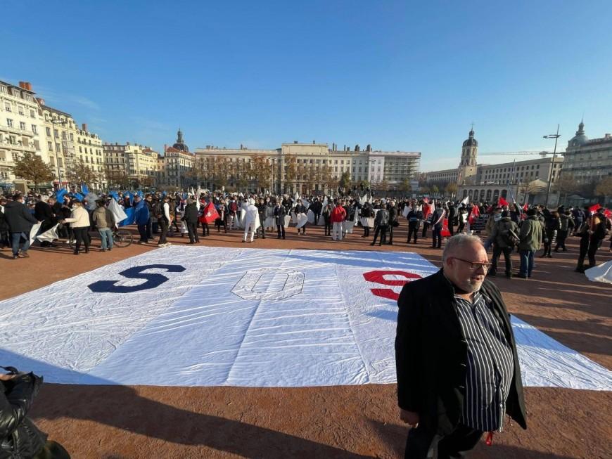 2 000 travailleurs indépendants manifestent à Lyon ce lundi
