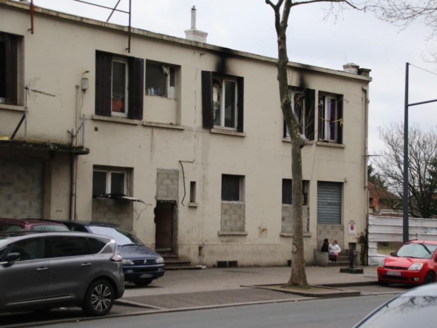 Des Roms évacués d'un squat à Villeurbanne, le MRAP porte plainte