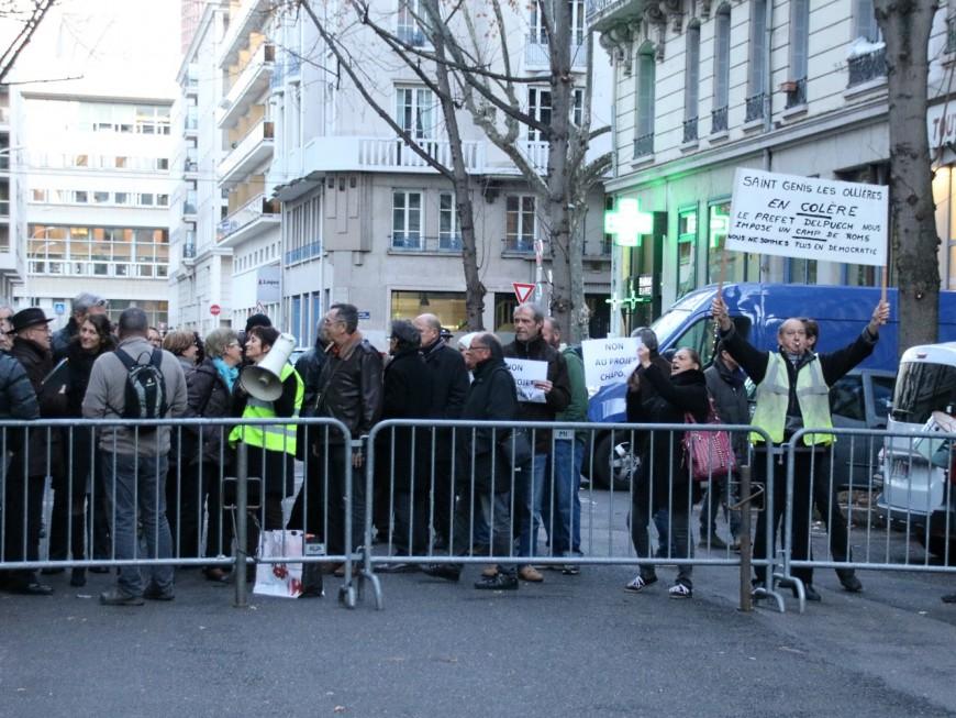 Roms à Saint-Genis-les-Ollières : les habitants rendent 600 cartes d'électeurs