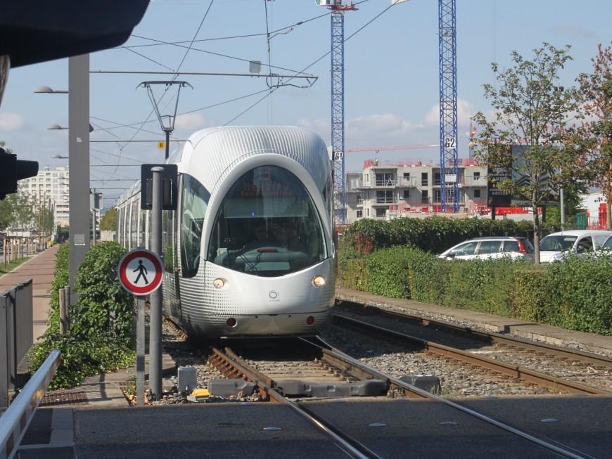 Un incident d'aiguillage perturbe la circulation du T3 et du Rhônexpress ce vendredi matin