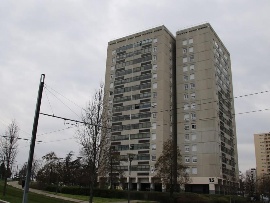 Vénissieux : une adolescente tuée après une chute de 13 étages