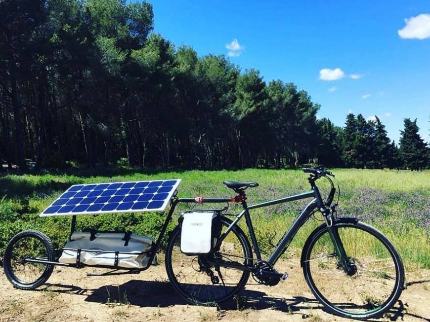 """Nicolas Hulot lance """"The Sun Trip"""", la course de vélo solaire qui reliera Lyon à Canton en Chine"""