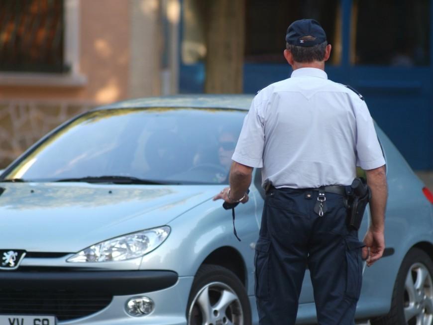 Près de Lyon : en pleine canicule, une fillette retrouvée dans une voiture