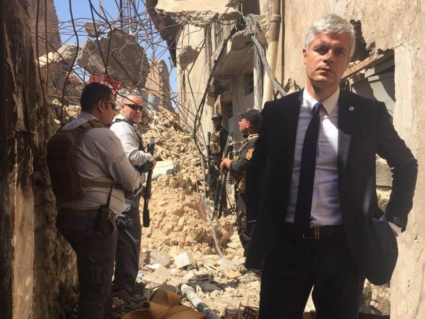 La photo de Laurent Wauquiez posant dans les ruines à Mossoul détournées par les internautes