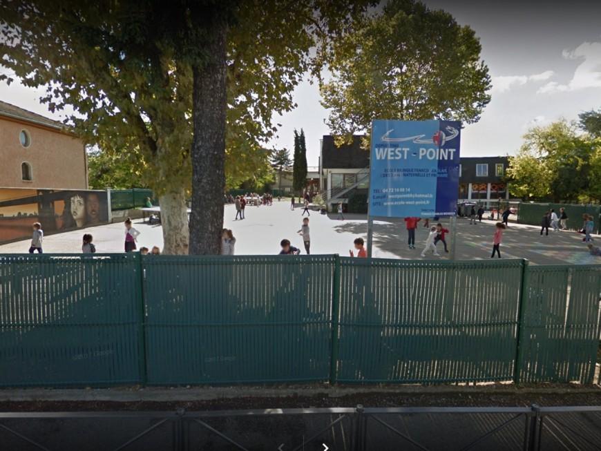 Enfants plongés dans le noir, punition à la cantine : les pratiques d'une école pointées du doigt à Lyon