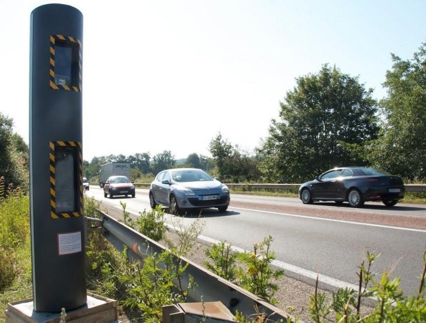 Un radar discriminant pour les autocars installé en Auvergne-Rhône-Alpes