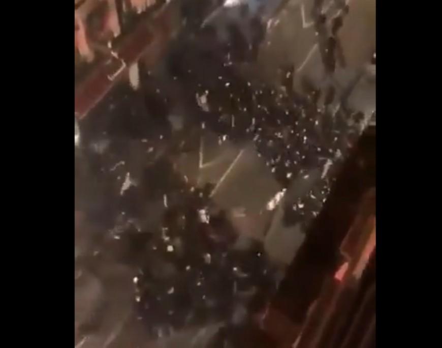 Derby OL-ASSE : une bataille rangée entre supporters dans les rues de Lyon - VIDEO