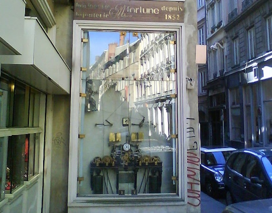 Lyon : l'horloge Charvet dite Horloge aux Guignols restaurée à partir de lundi