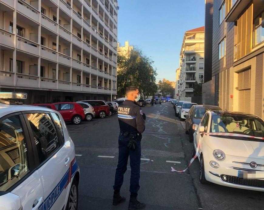 Prêtre blessé par balles à Lyon : le suspect hospitalisé, toujours aucune preuve contre lui