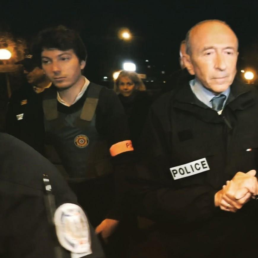 """Un proche collaborateur de Gérard Collomb lui aussi aperçu avec un brassard siglé """"police"""""""