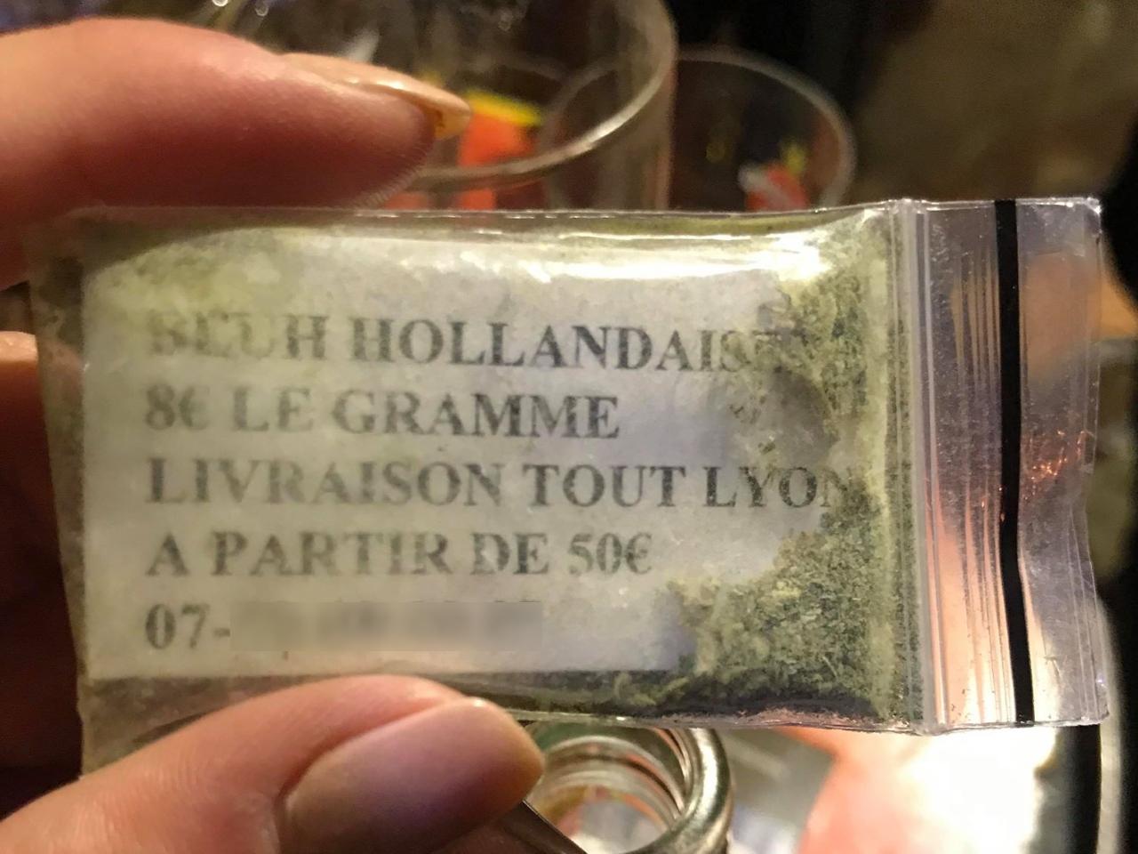 Lyon Des Dealers Distribuent Echantillons De Cannabis Pour Faire Leur Pub