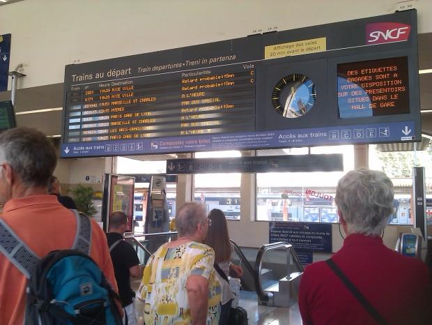 Neige : retards et annulations dans les gares lyonnaises et à l'aéroport Saint-Exupéry