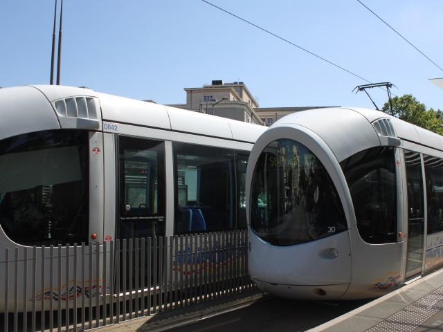 Nouvel incendie volontaire à Meyzieu : la circulation du T3 et du Rhônexpress de nouveau perturbée (MàJ)