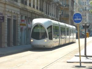 Une femme percutée par un tramway vendredi matin à Lyon