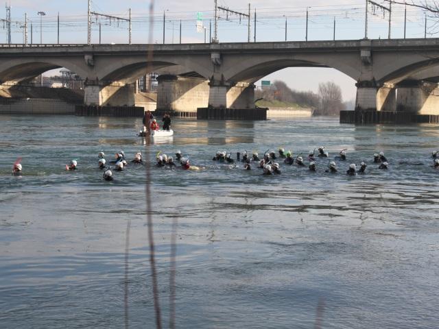 Près de 200 participants se sont lancés dans la Traversée de Lyon à la nage