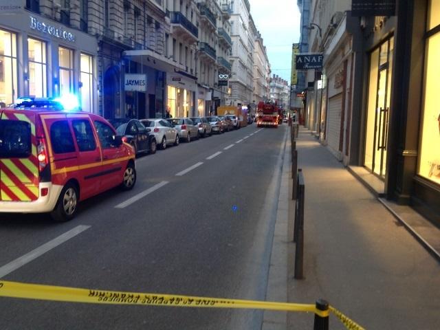 Lyon 2 : une jeune fille tente de se suicider, elle est rattrapée in extremis
